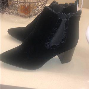 14th & union new black velvet. Booties  size 9.